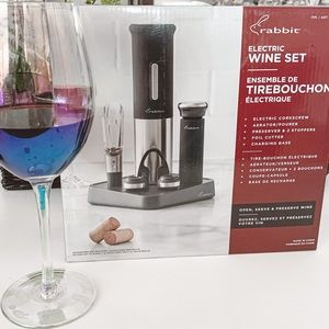 Rabbit Electric Wine Set New in Box